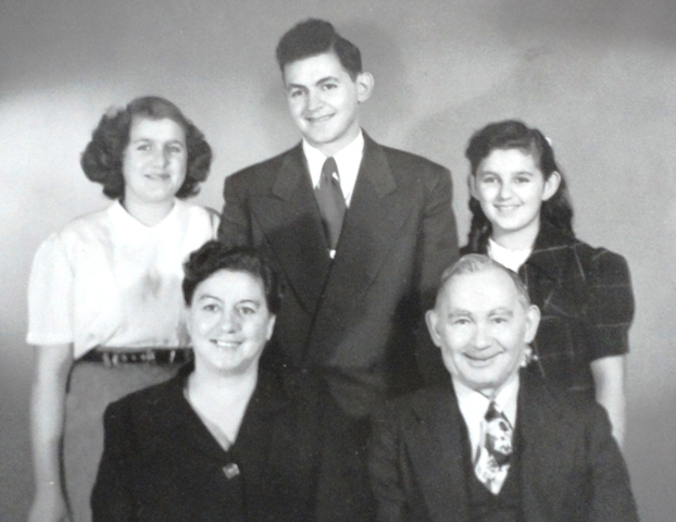 9 ADELINE FAMILY; KATHY, CLIO, TONY, ROBERT AND CLEO CIRCA 1950