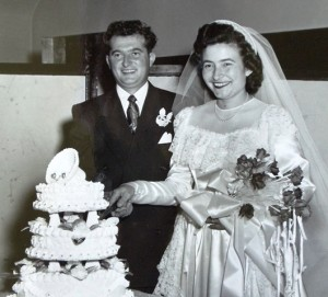 5 Frank and Georgia wedding cake, Sept 21, 1952