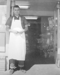6 Pete at Springhill Market, Renton, 1953
