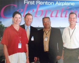 12 First delivery of Boeing 737, (l-r) Lynn thompson, Alan Mulaly, Angelos, Jeff Duven, 2004