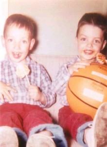 10-louis-and-gus-with-basketball-1962