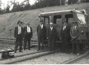 5-spokane-portland-and-seattle-railway-operations-officials-at-scribner-wa-john-melonas-far-right-circa-1940