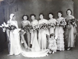 9 Christine Assuras wedding with Bingham girls, 1933