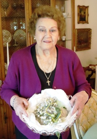 1 Willene with grandmother' 100-year-old stefana (wedding crowns)