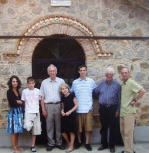 6 FAMILY IN SKLITHRO