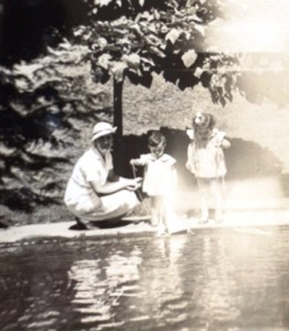 10 Georgia, Eleni and Kondelia at Roosevelt Park in Aberdeen, circa 1935