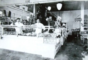 10  (l-r) John Pangis and co-worker in tacoma, early 1900s