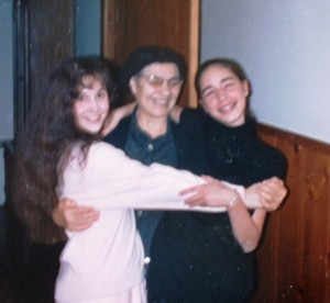 7 Heather, Yiayia Irini and Christina, circa 1984
