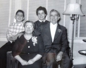 8 Mike Cokinakis family (l-r) Costa, Irent, Theodora, Mike, 1955