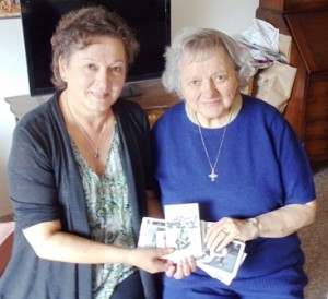 1 Stella Bass and her mother Molly Conom, 2013