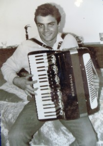 15 Playing the accordion, 1960s