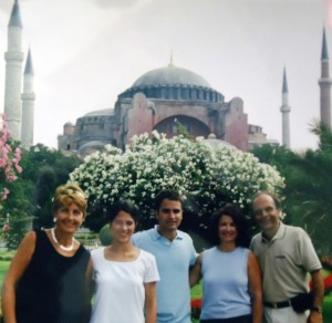 21 Georgia Armatas, Stacy, Danny, Rita, Costa in Istanbul, 2000