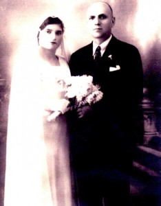 5 JAMES AND GRACE WEDDING, Agios Edipsos, Greece September 1937