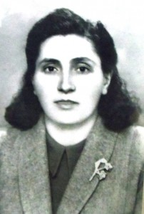3 Panagiota Hamilos passport photo, 1947