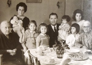 6 Family of origin (l-r) Yiayia Panayioula, Andrianna with Stamatis in arms) Vasili, Temy, Phillipos, Cousin Eleni, Cousin Poly, Theitsa Metaxia, 1964