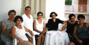 25-harry-with-family-in-greece-1997