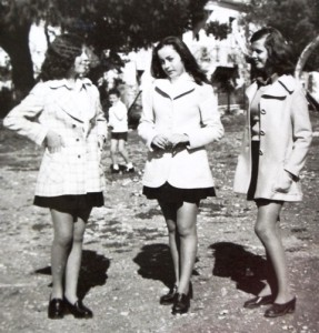 10 Friends - Kiki, Maria and Olga, 1975