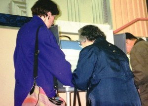 11 Alexandra and Maria voting, 1996