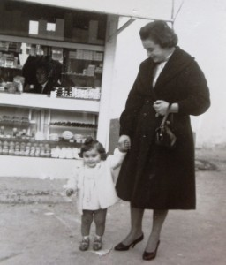 8 Maria and Eleni with Athansios in the periptero, 1959