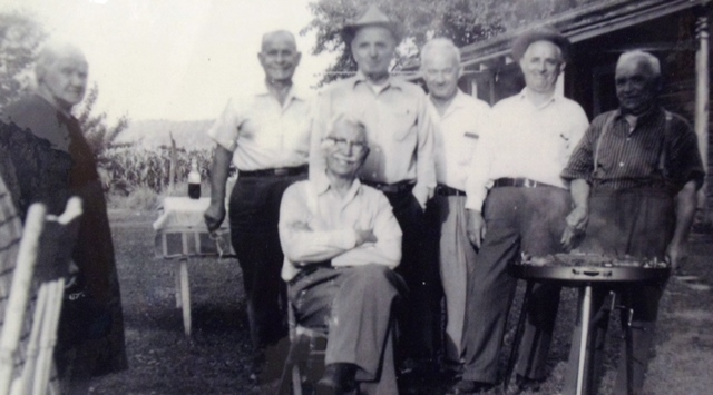 5 Family on the farm, YiaYia on left, 1940s